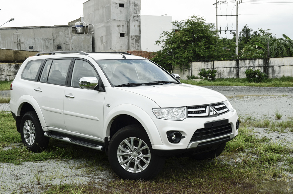 Pajero sport gasoline 4x2 AT