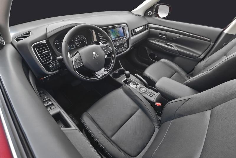 3015227_2016-Mitsubishi-Outlander-FL-35