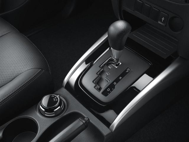 Mitsubishi-Triton-2015-10